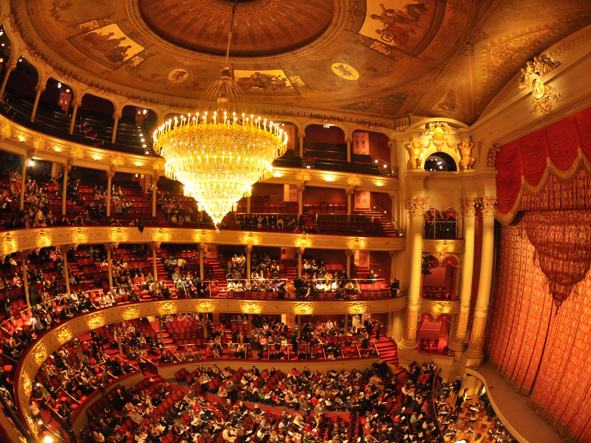 تئاتر ارزش وقت و هزینه ما را دارد؟!