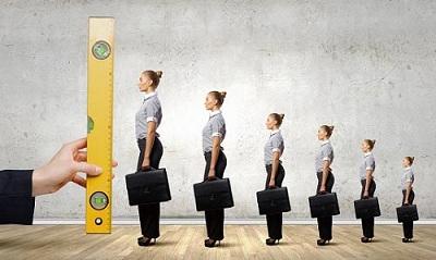 چطور می توانیم یک ارزیابی منصفانه و عادلانه از عملکرد کارکنان داشته باشیم