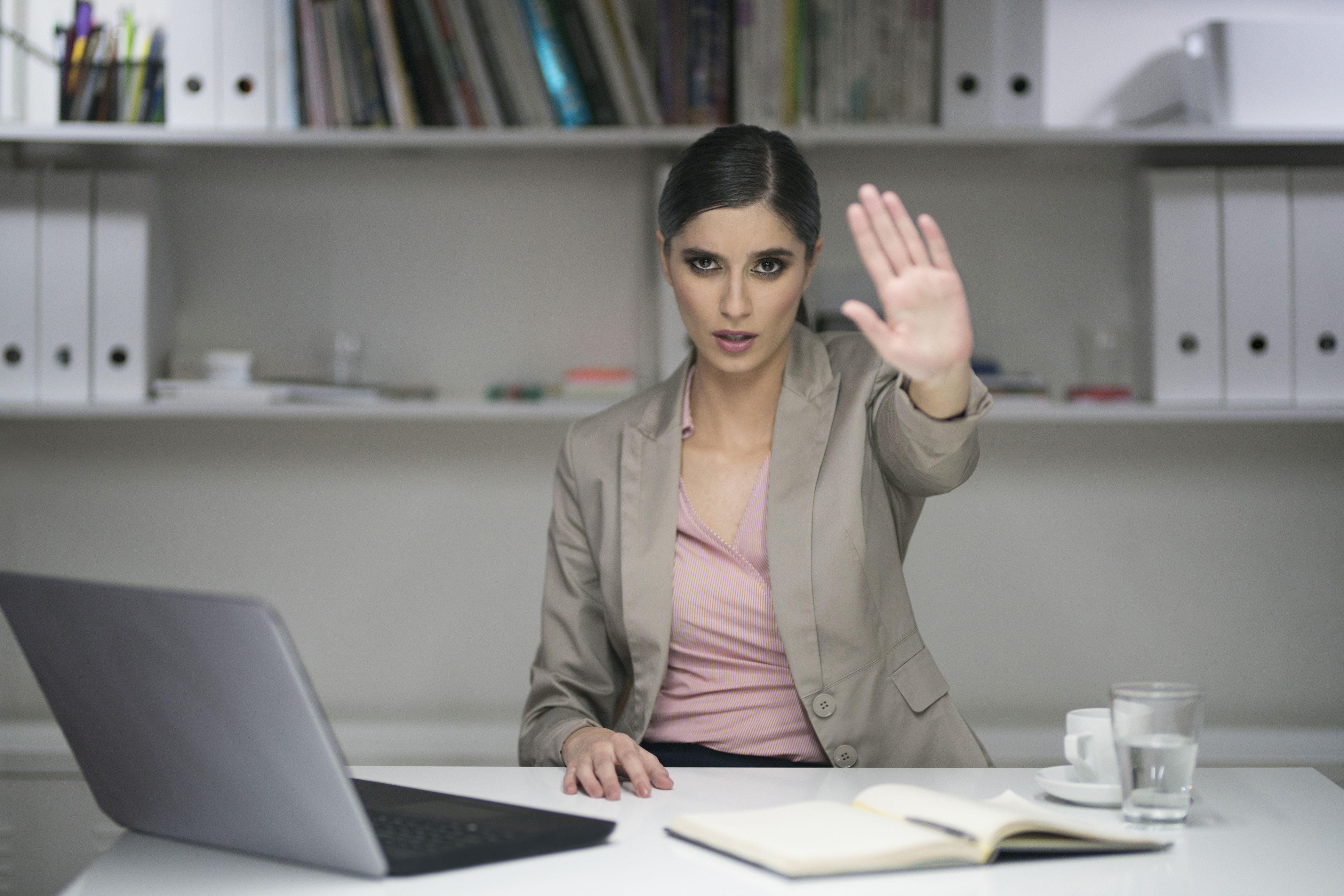 چرا کارمندان صادق و وفادار از مدیران خود ناراضی می شوند؟