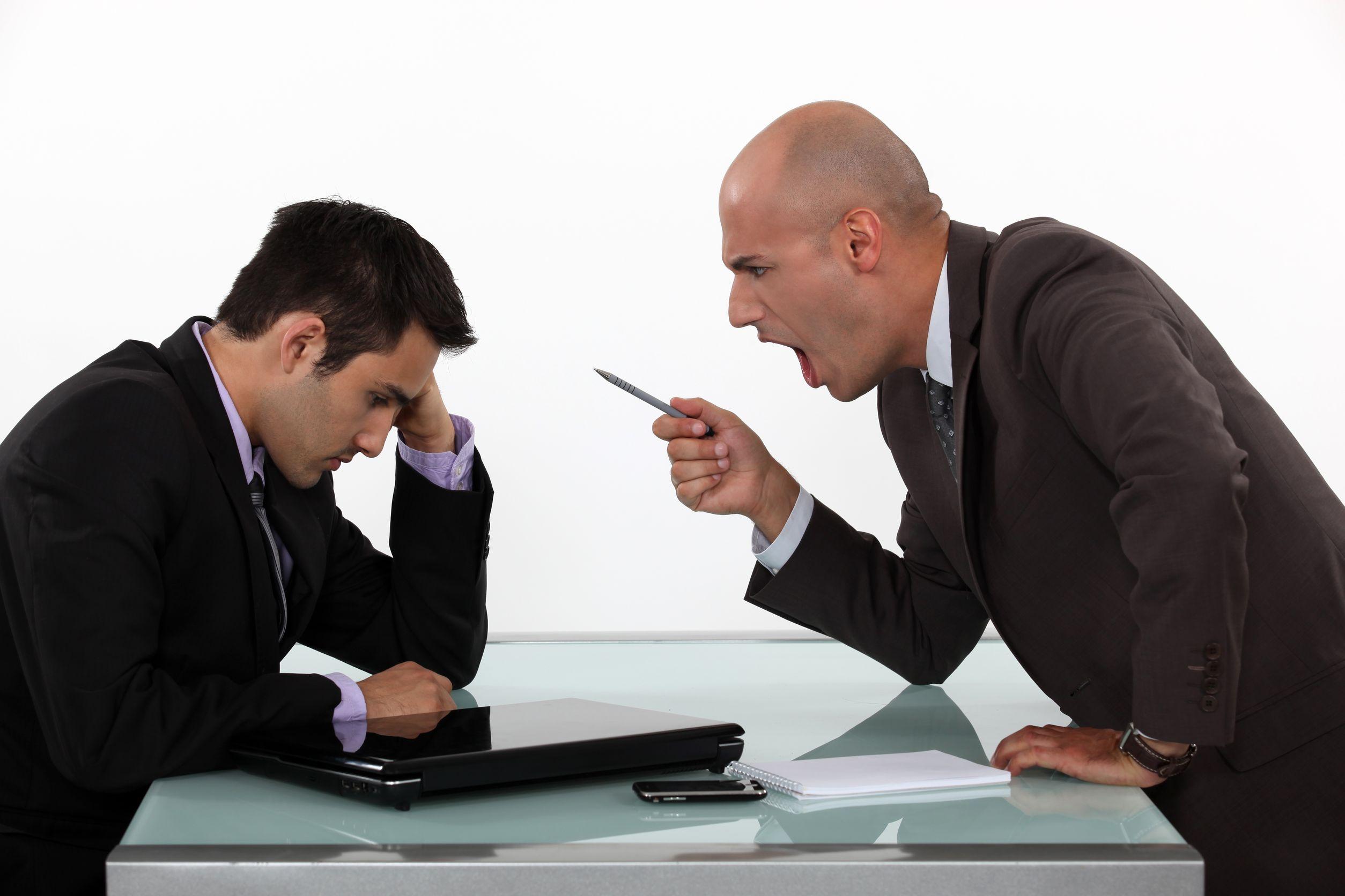در انتقاد از هزارتوی انتظارات کارفرمایان نسبت به کارمندان