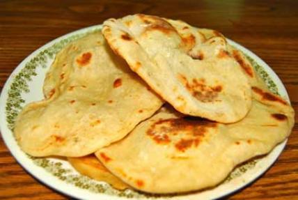 طرز تهیه نان سیر محلی بندر ترکمنی