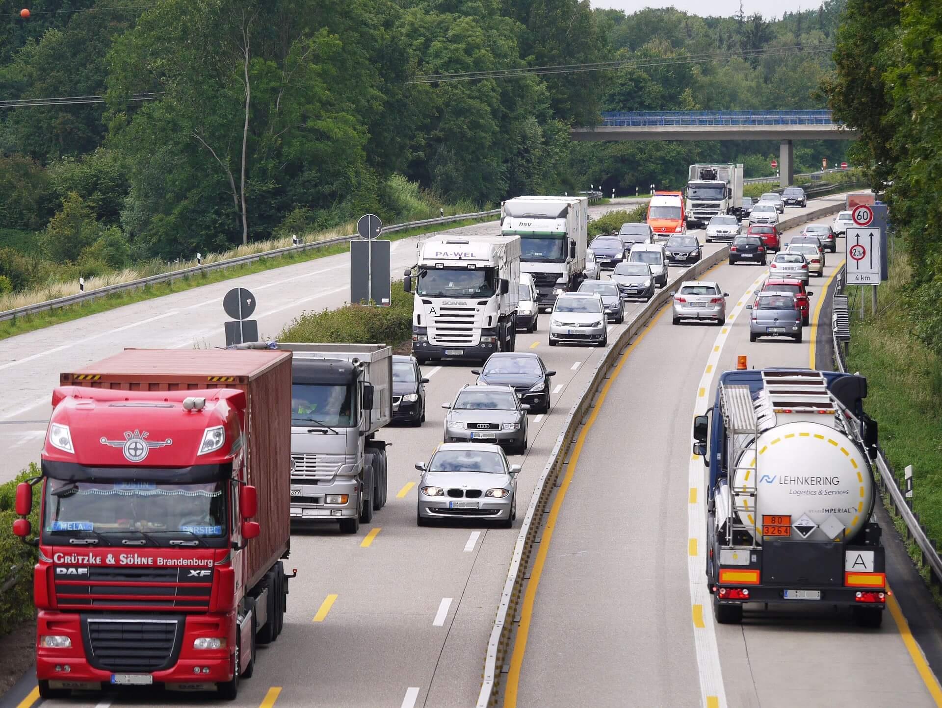 حمل و نقل جاده ای چیست و چگونه انجام میشود؟