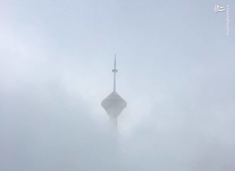 برج میلاد شاخصِ آلودگی