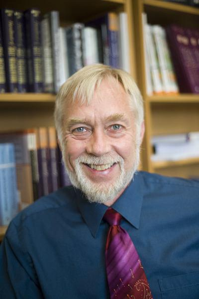 پروفسور Roy F Baumeister، استاد روانشناسی و مدیر گروه روانشناسی اجتماعی در دانشگاه ایالتی فلوریدا