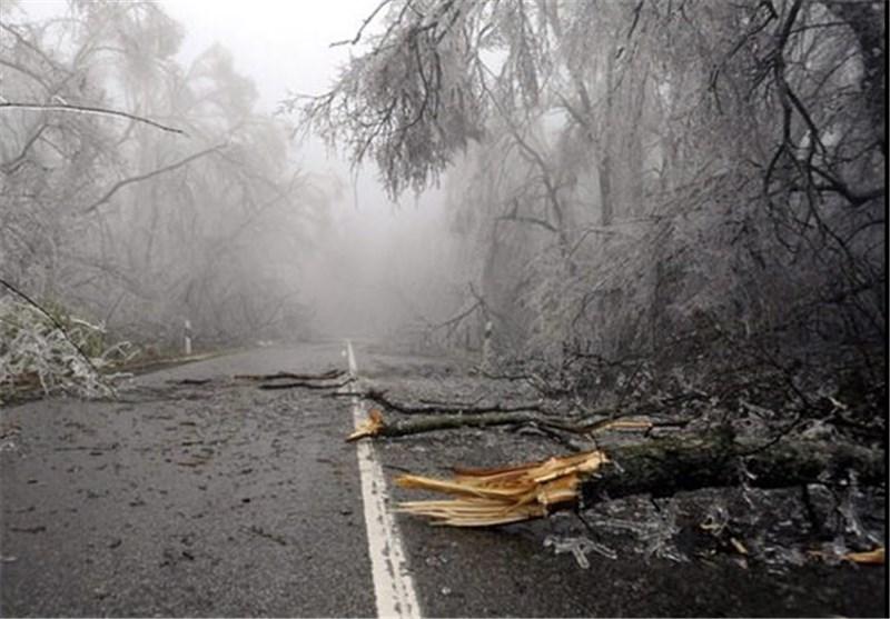 طوفانی که ما را زمین زد