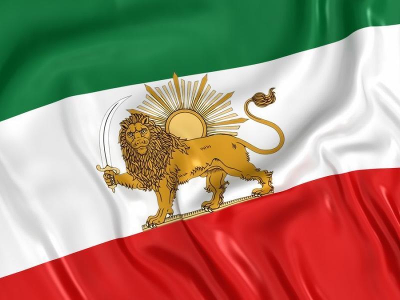 نماد شیر و خورشید بر پرچم ایران