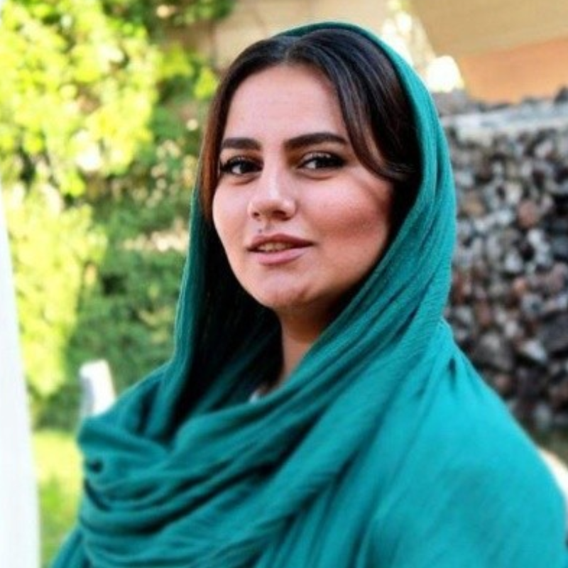 ساناز حسینی