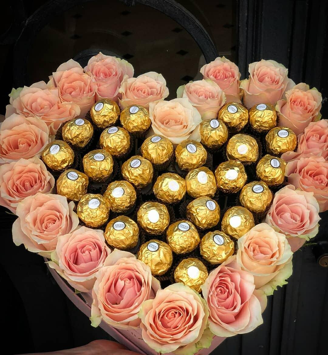باکس گل و شکلات