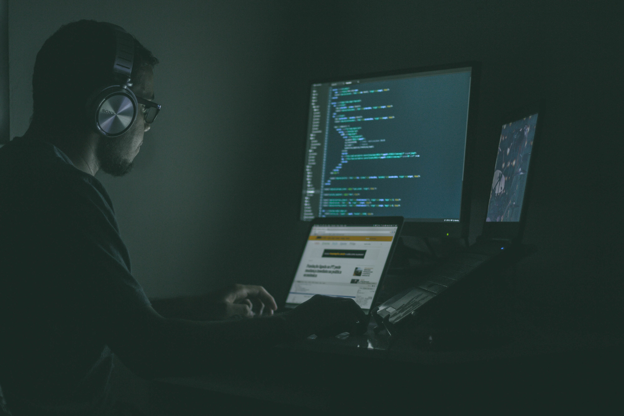 چه زبان برنامهنویسی باید یاد بگیرم؟