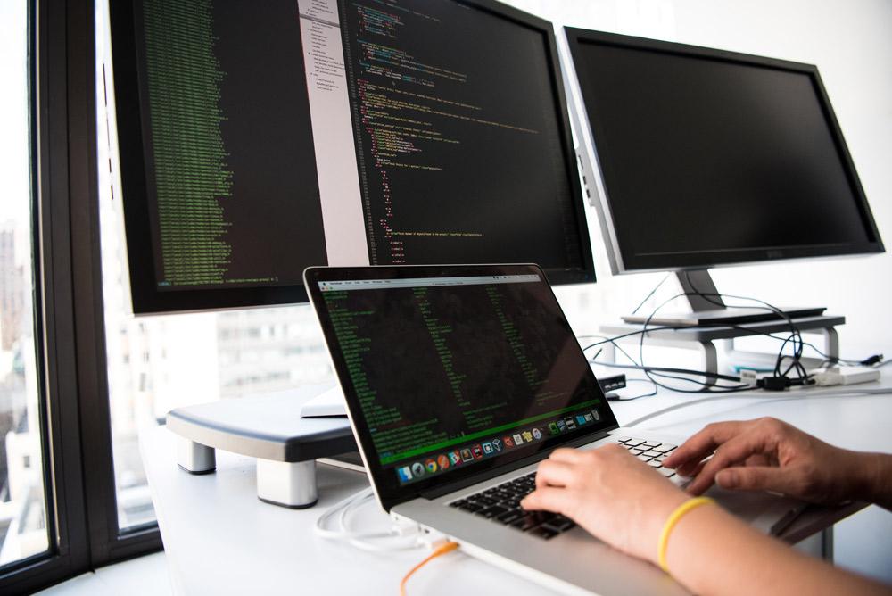 مسیر راه برای تبدیل شدن به یک توسعه دهنده وب