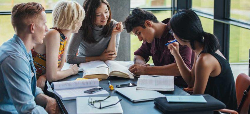 چرا آموزش خصوصی مکالمه زبان بهتر از کلاس های زبان است؟