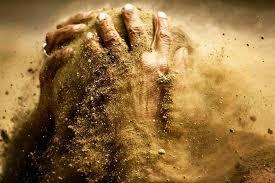 خاک تو سرت...تو هیچی نیستی..!