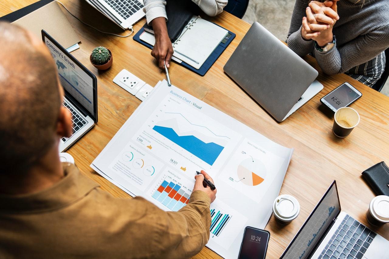 آنالیز و تحلیل محصول / رقبا در تحقیقات کاربر
