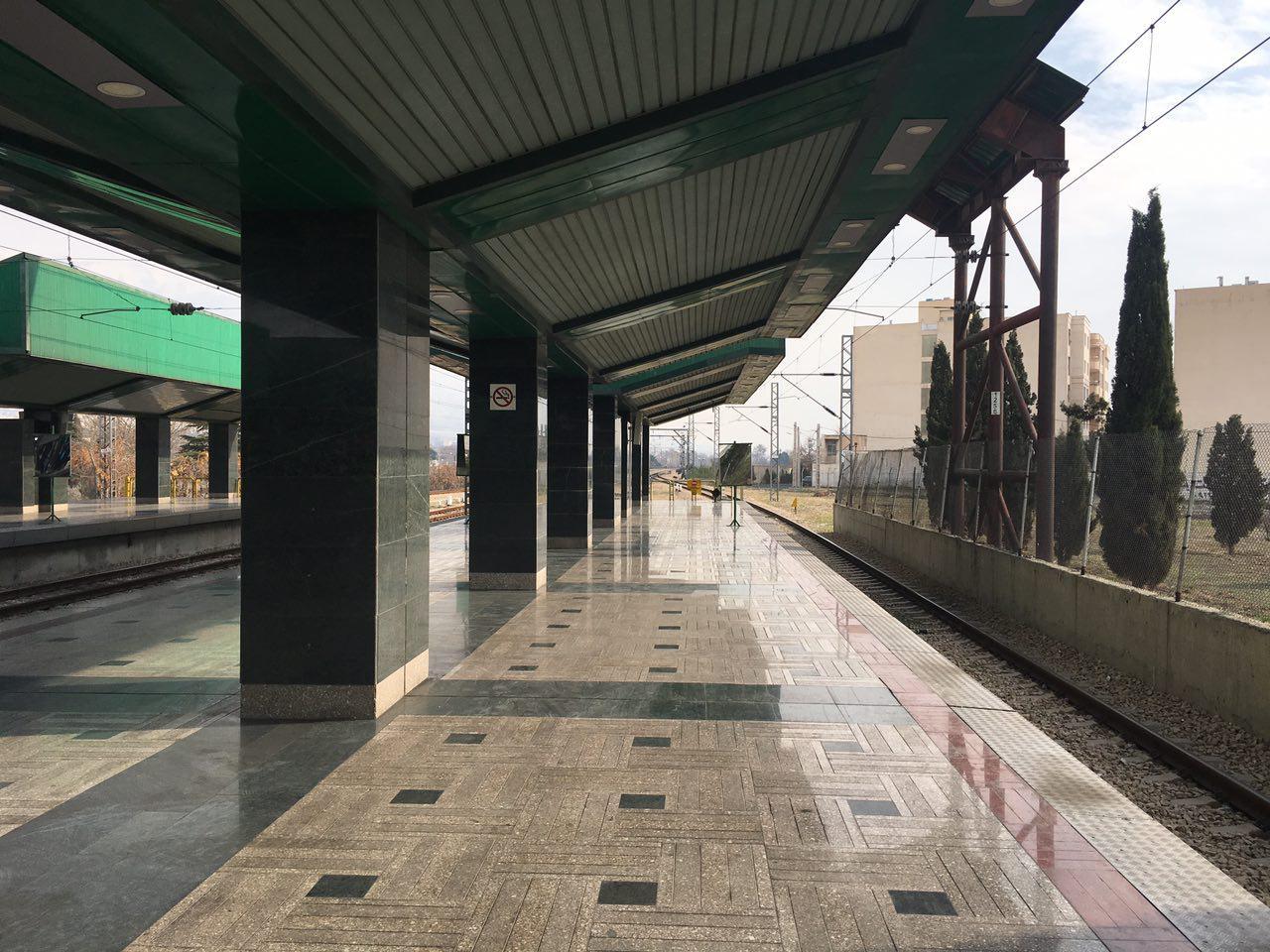 اعزام قطار به مقصد صادقیه عادی بوده و در تمامی ایستگاههای خط ۵ توقف خواهد داشت.
