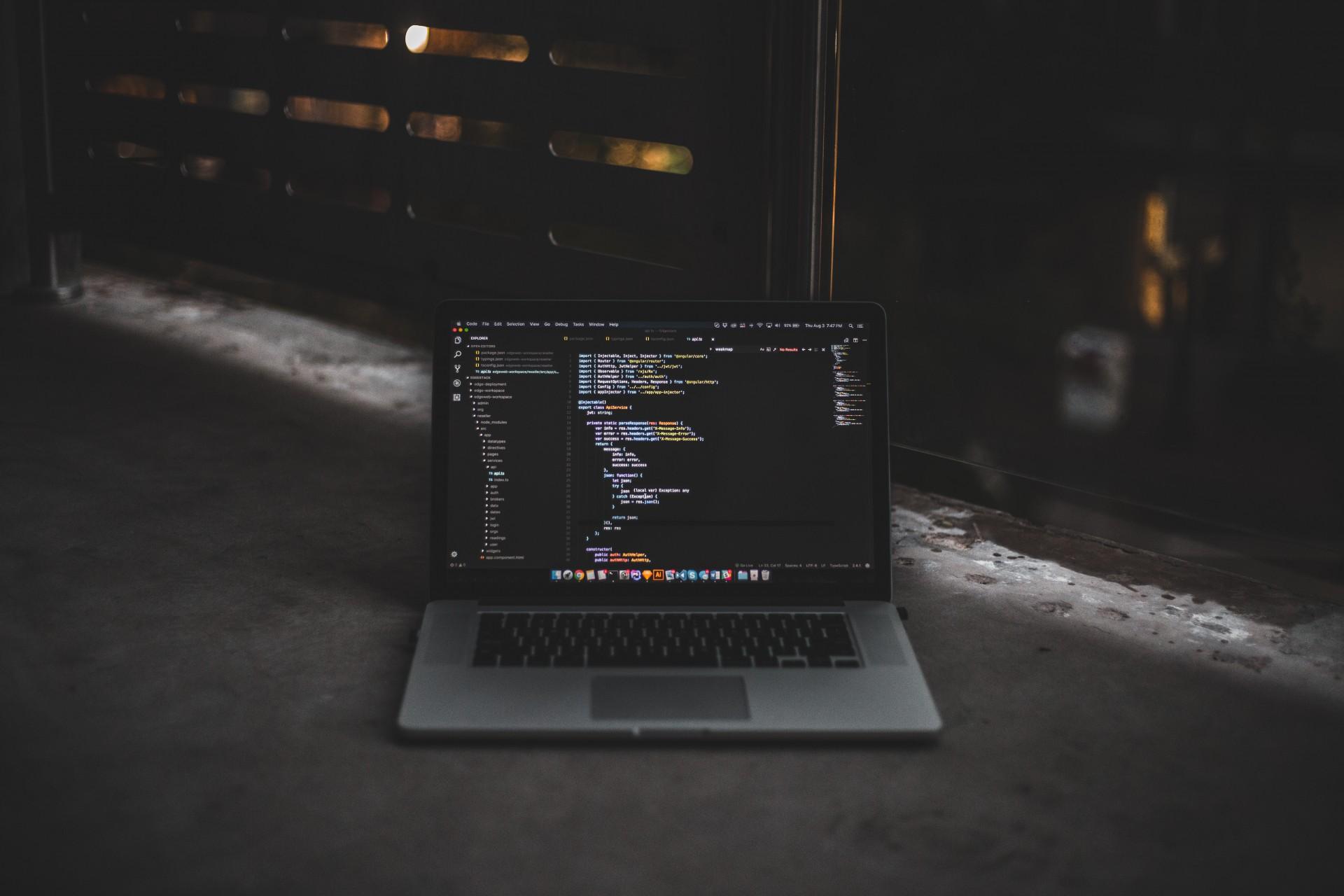 چرا از Visual Studio Code استفاده میکنیم؟!
