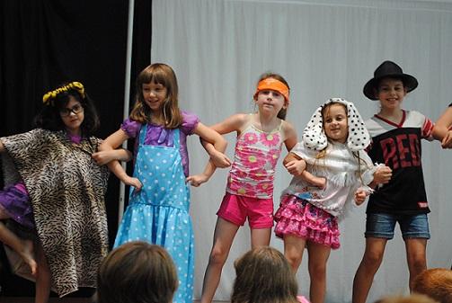 بازی نمایشی: رقص هیولای دوسر