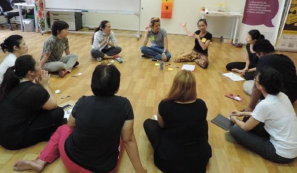 چرا مربیان نمایش باید به شغل خود افتخار کنند؟