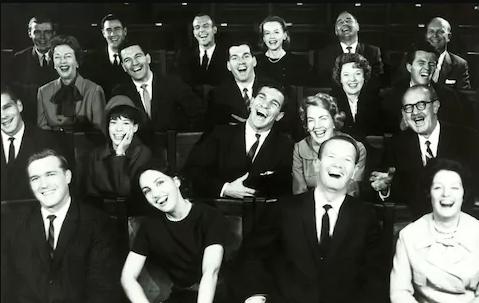 خنده، موانع و آداب آن در تئاتر