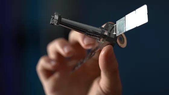 چگونه روباتها ماهوارهها را در مدار تعمیر یا تخریب میکنند