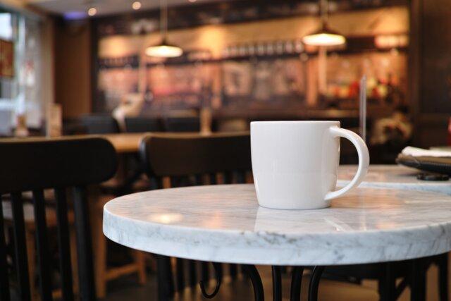در کافهها «فضا» میفروشند، نه «غذا»