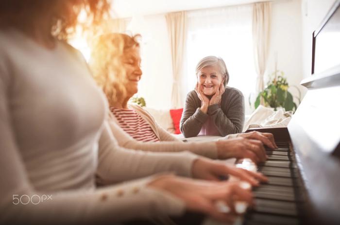 فرضیه: تاثیر موسیقی بر رفتار اجتماعی