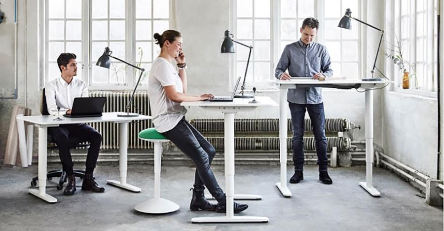 میز اداری برای کامپیوتر با ارتفاع قابل تنظیم (قسمت اول) | مبلمان اداری بنکو