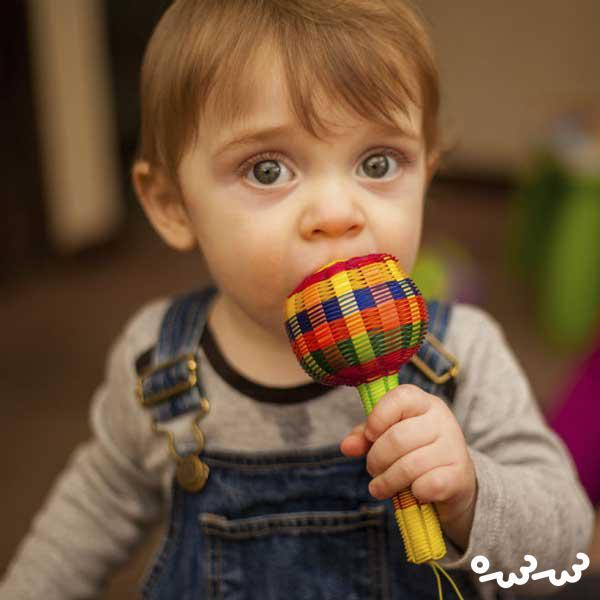 علامت تشخیص بیماری اوتیسم ؛  حرکت چشم نوزاد