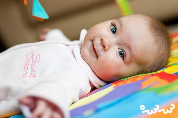 بینایی نوزاد در چند ماهگی کامل می شود؟
