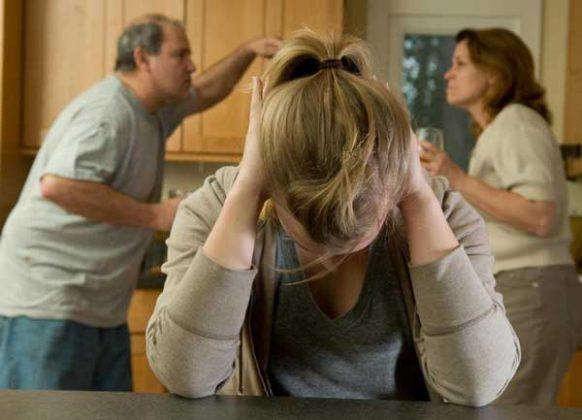 مهم ترین اثرات طلاق روی رفتار نوجوانان