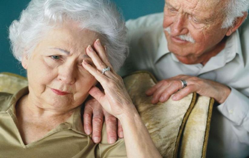 کتابی با ۳۰۰ نکته درباره مراقبت از بیماران آلزایمری
