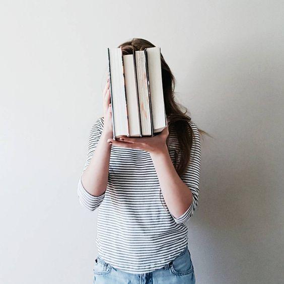 """آیا شما هم به """"سندرم کتابهای ناتمام"""" مبتلا هستید؟"""