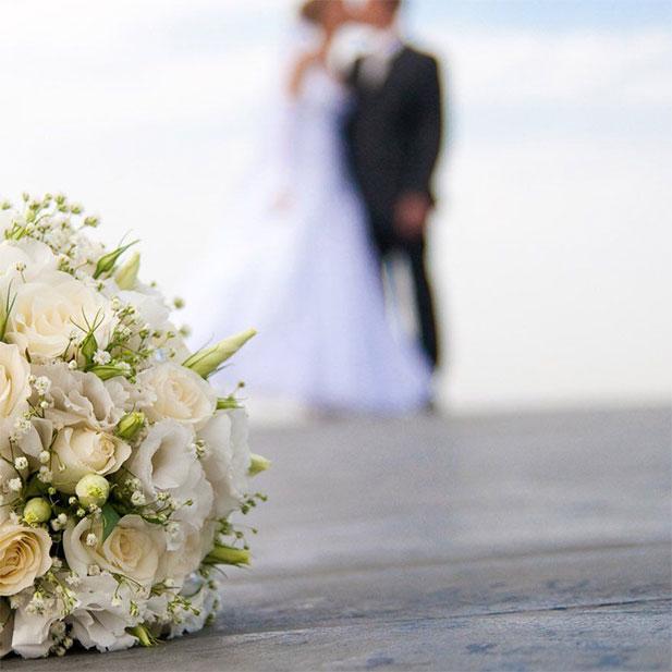 و بالاخره عروسی ( بعد از 8  سال)