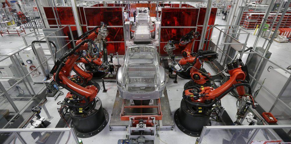 خط تولید خودرو های الکتریکی تسلا