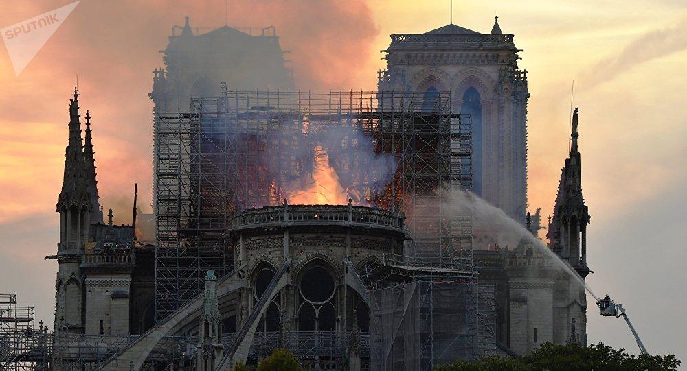 اگر «کلیسای نتردام» در ایران بود و میسوخت ...