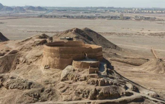 مرگ و مراسم تدفین در ایران باستان