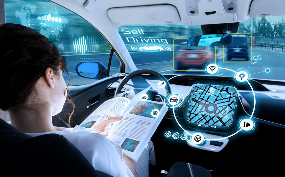 استفاده از اتوموبیل های خودران میتواند باعث افزایش ایمنی و کاهش خطرات ناشی از رانندگی شود