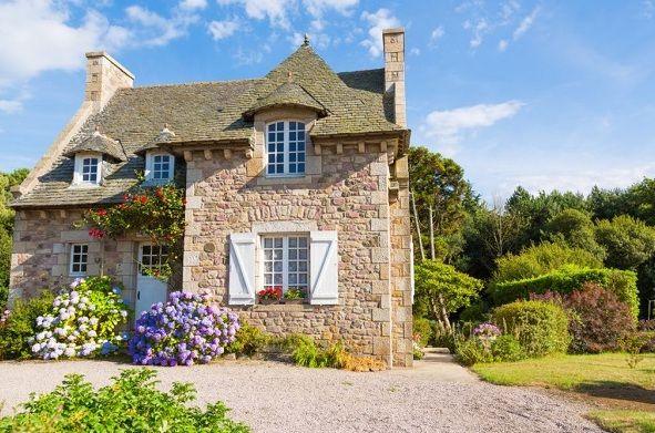 آیا اقامت فرانسه از طریق خرید ملک امکان پذیر است؟
