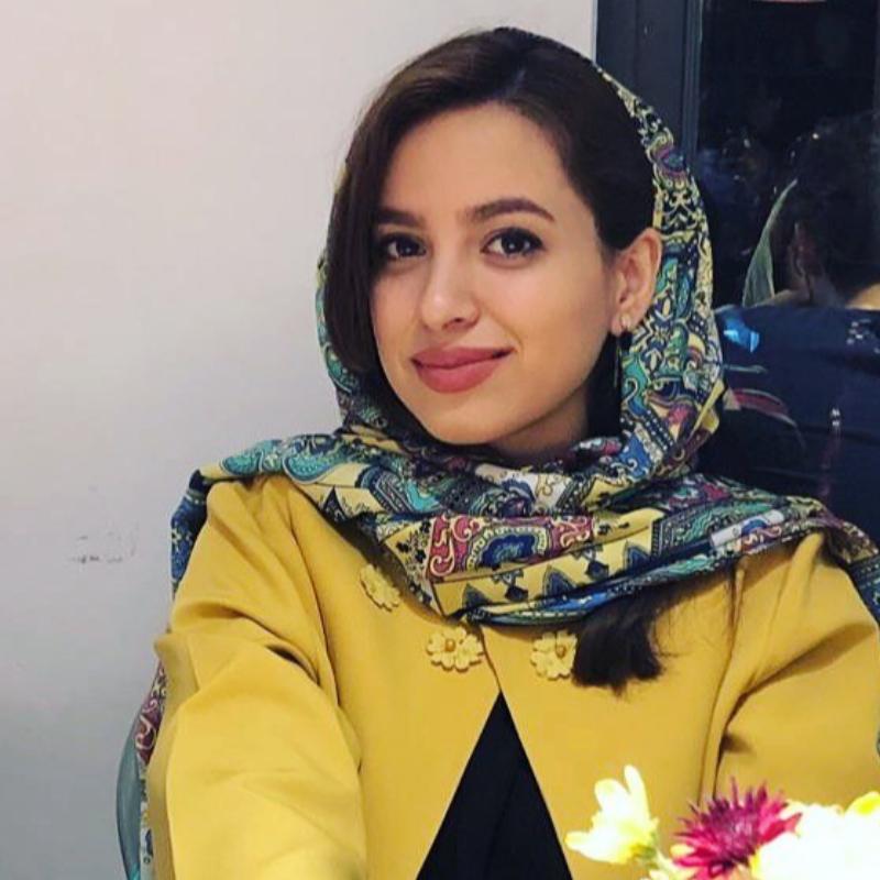 رویا محمدحسینی