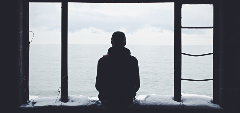 چرا «تنهایی» همیشه چیز بدی نیست و به موفقیت ما کمک میکنه؟