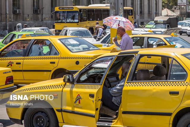 مرد راننده تاکسی