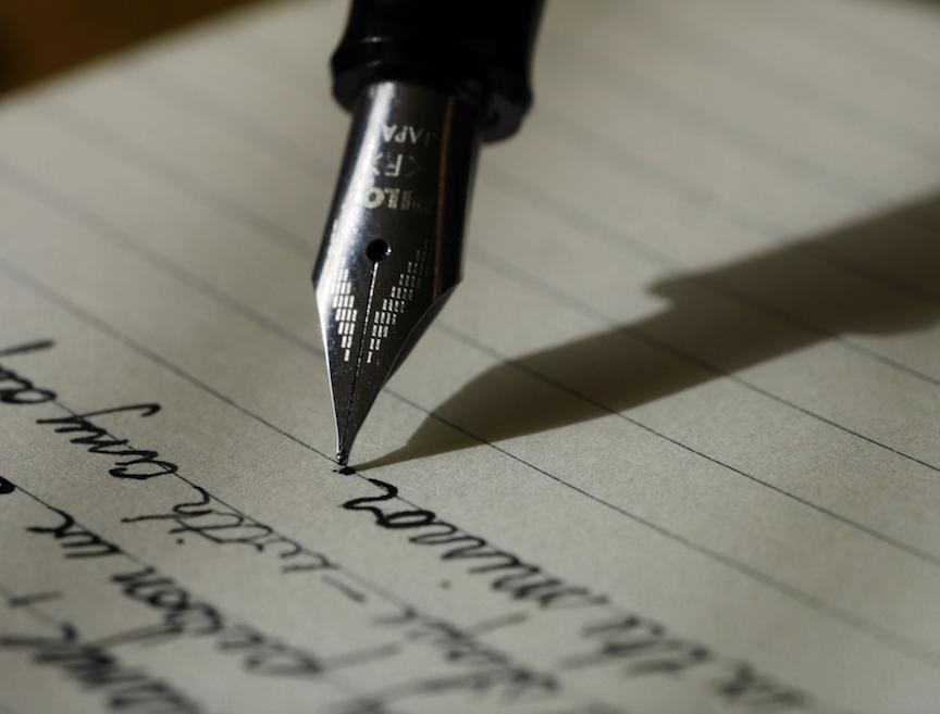 شاید اولین قدم واسه تبدیل شدن به یه نویسنده...