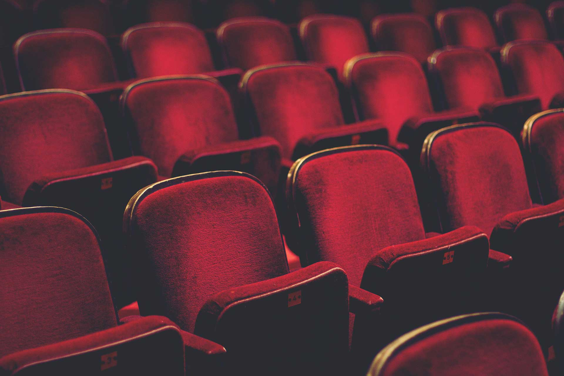 دنیاشناسی به روش تئاتری