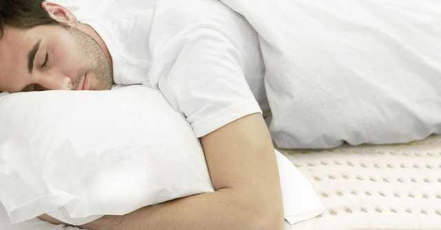چرا شب ها از خواب میپریم؟