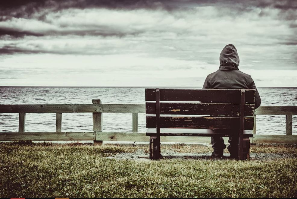 تنهایی بهتر است یا...