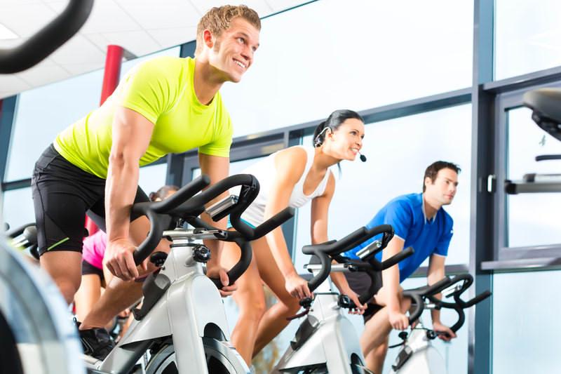آیا دوچرخه ثابت یا اسپینینگ  فواید دوچرخه سواری در فضای باز  را دارد؟