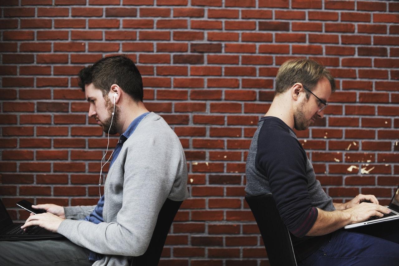 چگونه یک شبکه کاری حرفهای بسازیم؟