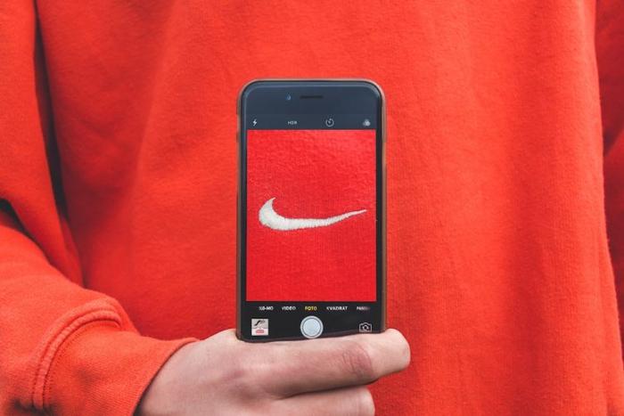 آماری از تاثیر رسانههای اجتماعی بر تصمیمگیری مشتریان