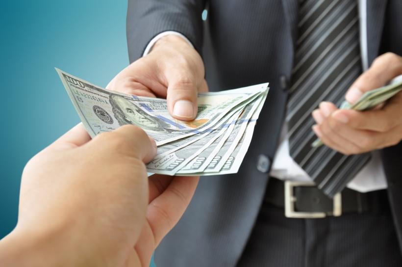 دیر حقوق دادن، فرقی با حقوق ندادن ندارد