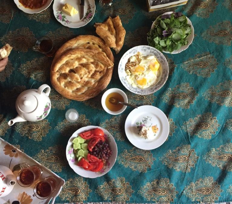 یکی از آن صبحانههایی که در سوادکوه انتظارمان را میکشید.