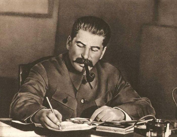 تاریخ جنایتهای سری استالین